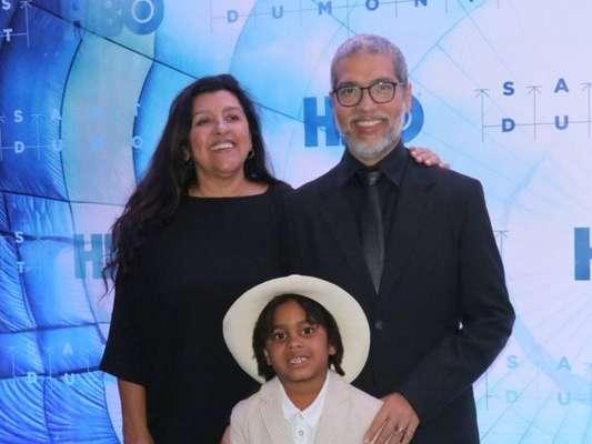 Filho de Regina Casé mostrou estilo na pré-estreia da série 'Santos Dumont', dirigida por seu pai, Estevão Ciavatta, no Cine Roxy, em Copacabana, Zona Sul do Rio de Janeiro, nesta quarta-feira, 6 de novembro de 2019