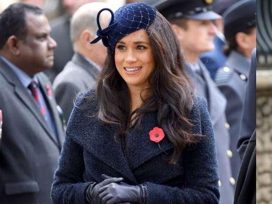 Duquesas vestem azul! Meghan e Kate usam a mesma cor em eventos diferentes nesta quinta-feira, dia 07 de novembro de 2019