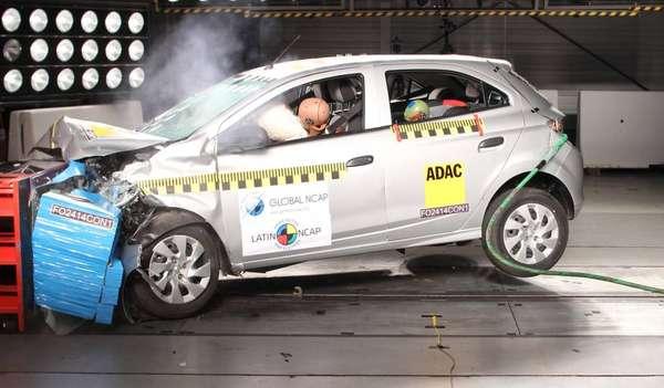 Teste do Onix em 2017: nota zero do Latin NCAP.