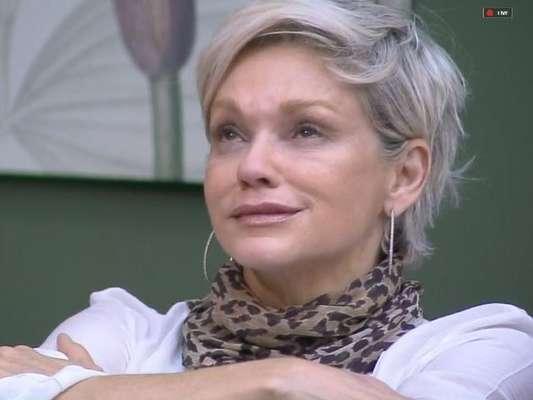 Em 'A Fazenda 11', Andréa deixa jogo e detona Lucas: 'Oco, insuportável e sem higiene'