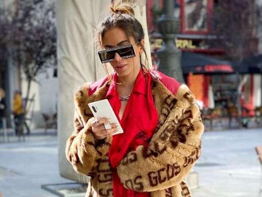 Anitta posou com look de R$ 21 mil em Madrid, na Espanha, nesta sexta-feira, 8 de novembro de 2019