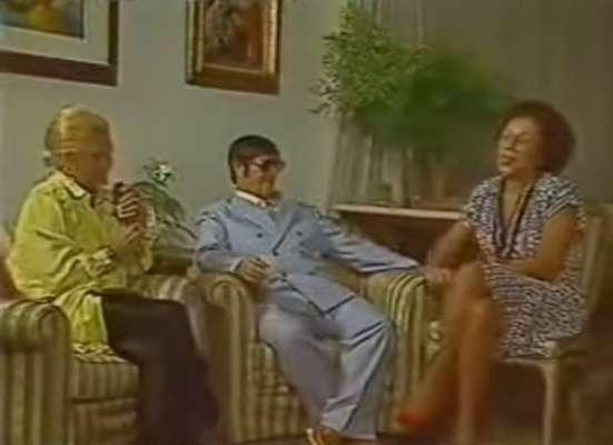 Carreira - Ao longo de sua carreira, Hebe passou por uma infinidade de veículos de comunicação, entre rádios e emissoras de TV, como a Tupi, Record, Band, SBT, e, por fim, a RedeTV!. Na década de 1980, em uma de suas passagens pela TV Bandeirantes, teve a oportunidade de entrevistar o espírita Chico Xavier (foto), ao lado da amiga de longa data, Nair Bello.
