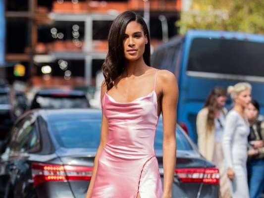 Vestido de festa: modelos com brilho, cores vibrantes e mais para arrasar em qualquer tipo de ocasião. Veja fotos!