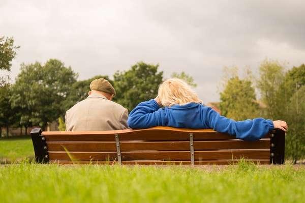 Com expectativa de vida cada vez maior no Brasil é normal que os idosos busquem uma vida mais saudável e a saúde bucal é sempre cheia de mitos sobre a terceira idade.