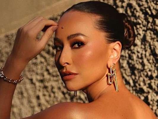 De dicas até tratamentos, Sabrina Sato revela rotina de pele