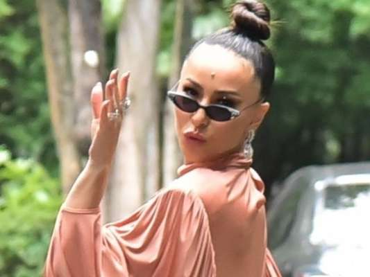 Sabrina Sato e mais famosas apostam em vestidos estilosos para casamento de Ale de Souza neste domingo, dia 01 de dezembro de 2019