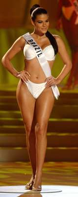 Miss Brasil - Joseane de Oliveira, ganhadora do concurso em 2002, era casada quando foi eleita miss. A informação veio à tona no fim de seu reinado, e ela afirmou que os organizadores sabiam do fato