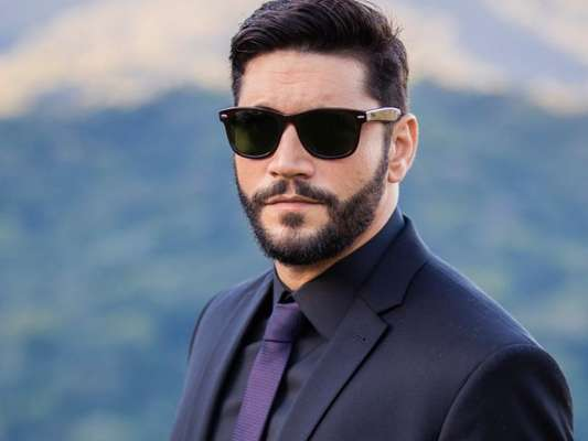 Diogo (Armando Babaioff) supreende a todos ao voltar milionário na novela 'Bom Sucesso'