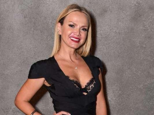 Corpo em forma de Eliana chamou atenção em foto na web