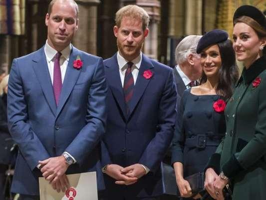 Príncipe William critica decisão de Harry e Meghan e garante que não irá defender o irmão