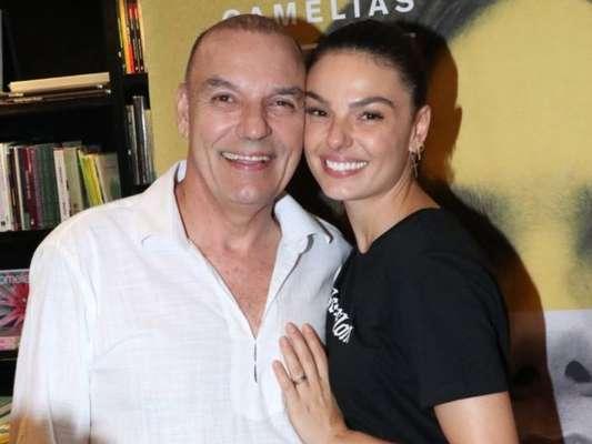 Pai de Isis Valverde, Rubens Valverde morre após infarto em trilha, em Minas Gerais, em 12 de janeiro de 2020
