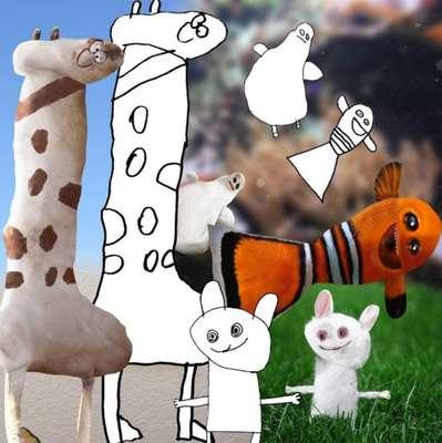 Pai reimagina a realidade a partir de desenhos do filho - Em perfil criado no Instagram, o @thingsihavedrawn, pai divulga montagens que misturam a realidade com os desenhos feitos no papel por seu filho Dom.