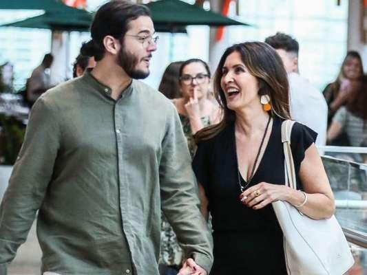Fátima Bernardes e Túlio Gadêlha passearam juntos por um shopping do Rio de Janeiro neste sábado, 18 de janeiro de 2020