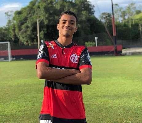 Vítimas da tragédia no Ninho do Urubu, CT do Flamengo - Arthur Vinícius de Freitas, 14 anos - Zagueiro. Faria aniversário neste sábado, 9. De Volta Redonda (RJ), havia sido recém-promovido à equipe Sub-17 do time.