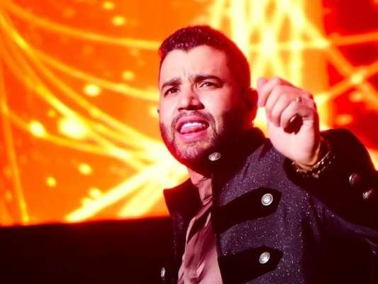 Gusttavo Lima esclarece suposto cachê milionário e substituição em show ao responder fã neste sábado, dia 25 de janeiro de 2020
