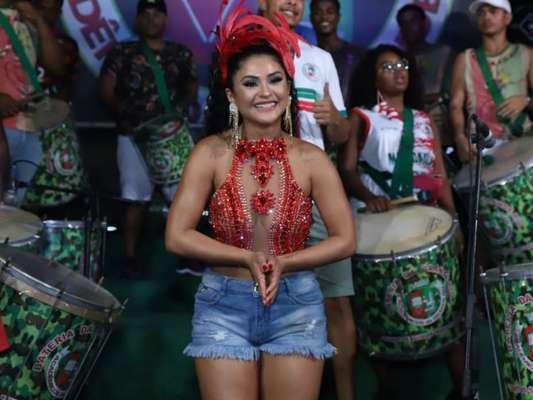 Mileide Mihaile sambou muito no ensaio na quadra da Acadêmicos do Grande Rio nesta terça-feira, 4 de janeiro de 2020
