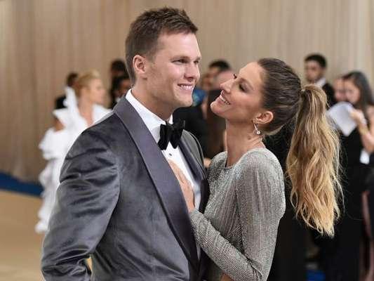 Gisele Bündchen come guloseima com marido após rumor de separação. Veja foto postada pela modelo nesta quarta-feira, dia 12 de fevereiro de 2020