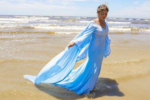 Fashion designer sugere que mulheres evoquem a força de Iemanjá no look de casamento