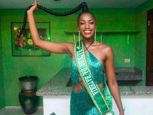 Iza marcou presença no ensaio da Imperatriz Leopoldinense para o Carnaval 2020