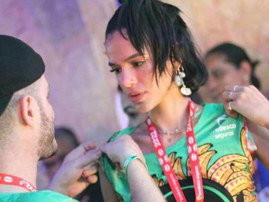 Bruna Marquezine curte Camarote Expresso em Salvador, em 23 de fevereiro de 2020