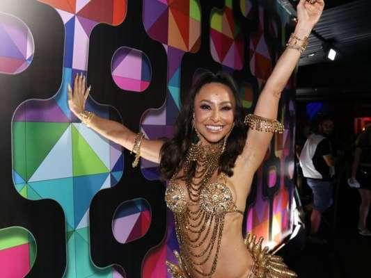 Sabrina Sato usa fantasia inspirada em Josephine Baker para curtir carnaval em camarote do Rio de Janeiro, em 23 de fevereiro de 2020.