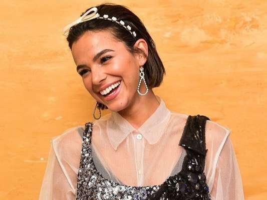 Bruna Marquezine surpreende ao cantar em inglês. Veja vídeo compartilhado por fãs nesta quarta-feira, dia 26 de fevereiro de 2020