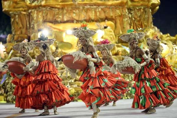 Veja fotos do desfile da Viradouro, bicampeã do Carnaval