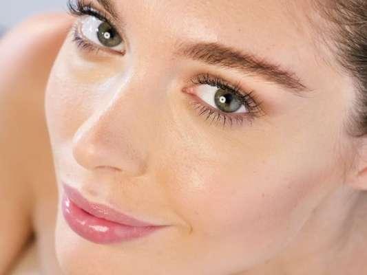 A sobrancelha natural é a trend para quem quer realçar a própria beleza