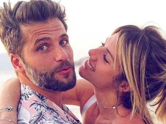 Filhos fazem registro fofo de Giovanna Ewbank e Bruno Gagliasso