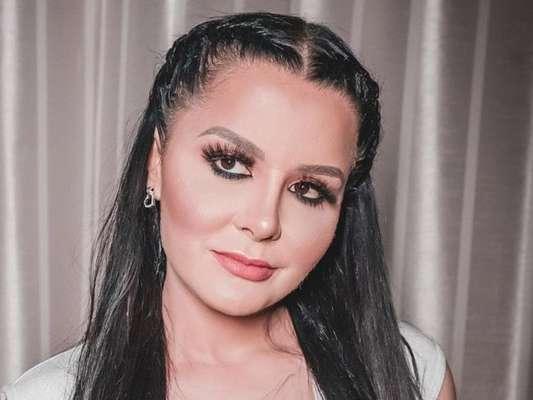Rosto de Maraisa, da dupla com Maiara, chamou atenção em live show nesta quinta-feira, 23 de abril de 2020