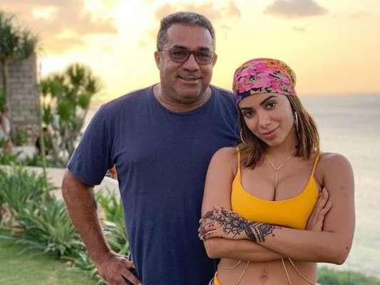 Anitta e mais famosos têm curiosidades reveladas pelos pais. Saiba mais em matéria nesta sexta-feira, dia 08 de maio de 2020