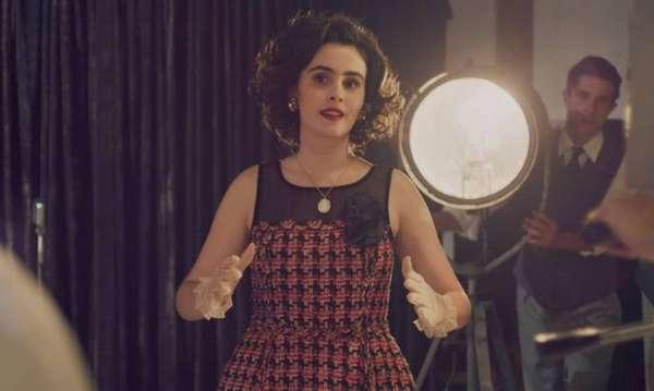 Hebe Camargo jovem (Valentina Herszage) - A atriz Valentina Herszage interpreta Hebe Camargo em cenas de sua juventude na série 'Hebe'.