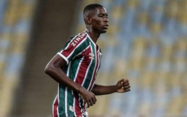 Veja imagens de Luiz Henrique com a camisa do Fluminense