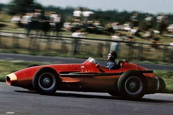 1º Juan Manuel Fangio: 29 poles em 51 GPs.