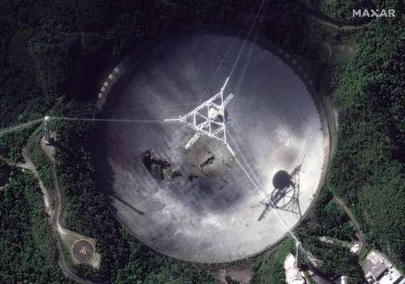 Radiotelescópio de Arecibo vinha apresentando problemas estruturais desde agosto