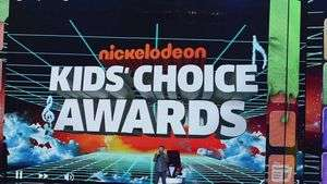 Especialistas em moda comentam os looks do Kids Choice Awards e Lollapalooza